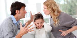 pertengkaran-orang-tua-memperburuk-kinerja-otak-anak